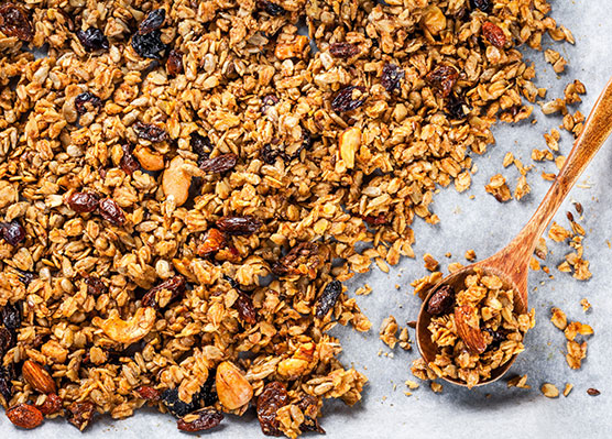 The Top 5 Post-Workout Snacks for Runners  - Homemade granola is great fast, healthy snack.