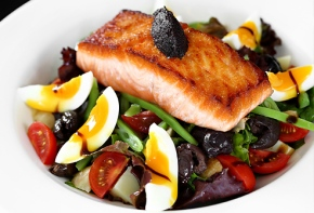 High-Protein Diet: Benefits and Risks