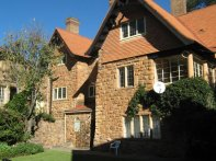 Kensington-Dykeneuk (Stone House)
