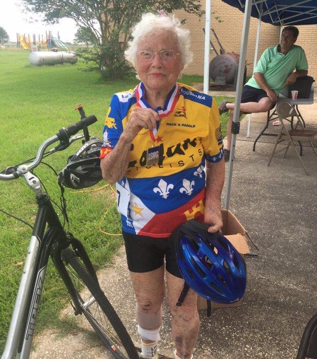 "Julia ""Hurricane"" Hawkins, 101-Year-Old Runs 100-Meters in 40.12 Seconds 3"